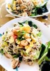 タイのパッタイ風、節約海鮮フォー炒め