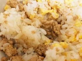 卵と鶏そぼろの2色丼