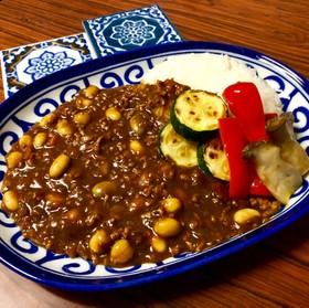 市販ルーで*挽肉と大豆のカレーライス