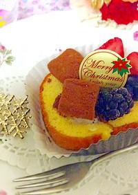 市販のロールケーキにフルーツのせてみて♪