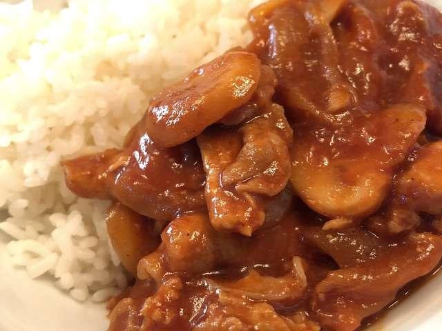 ハヤシライス 豚肉 牛肉 混ぜる
