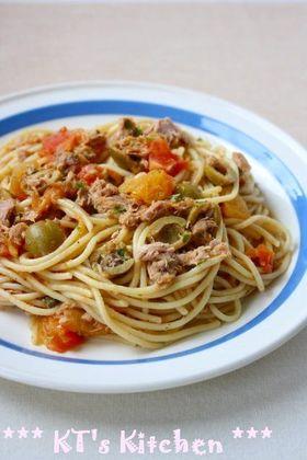 ツナとオリーブ、ケッパーのスパゲティ