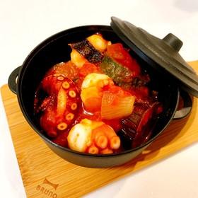 トマト缶で簡単♡蛸と夏野菜のトマト煮込み