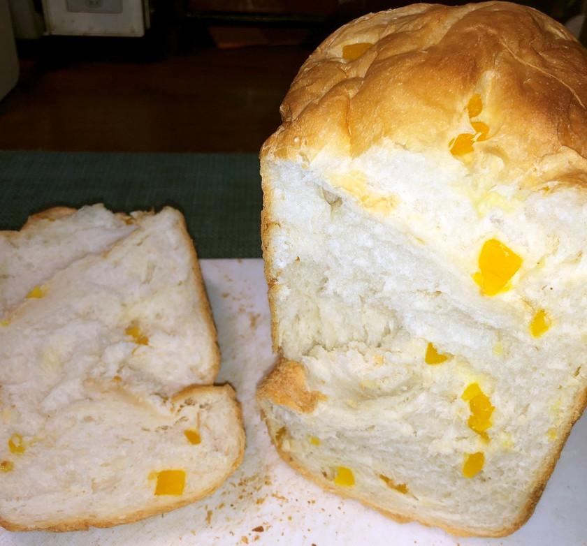 干しマンゴーと酒かすの食パン