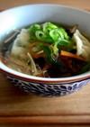 冷蔵庫整理に!餃子と緑豆春雨のスープ