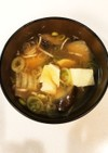 茄子と豆腐とネギのお味噌汁