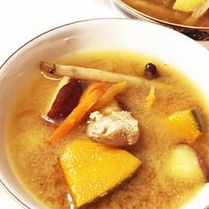 煮干丸ごと食べる具沢山のお味噌汁