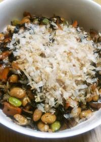 ひじきと大豆にベーコンのご飯進む煮物♬