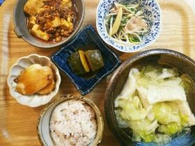 夕飯!麻婆豆腐 スープ餃子 野菜炒め