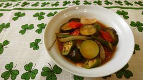 【使い切り】トマトと野菜のフライパン煮