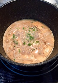 【鍋キューブ】豆腐ともやしの牛乳スープ