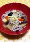 根菜と黄ニラの豚汁