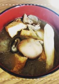 山形県民による豚肉味噌味の庄内風芋煮