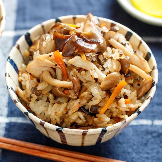 きのことツナ塩昆布の炊き込みご飯