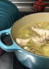 手羽元と、丸ごとキャベツのスープ