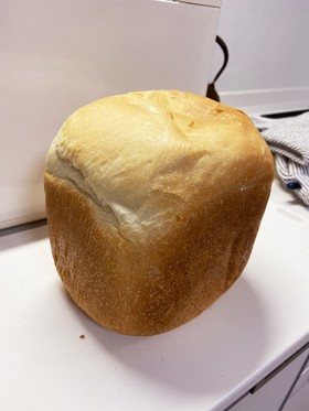 ホームベーカリーでふわふわ食パン