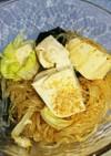 レタスとワカメ、豆腐の春雨サラダ