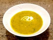 旬のパンプキンとケールのスープの写真