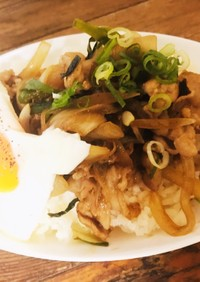 簡単・旨い・野菜もとれる焼肉丼