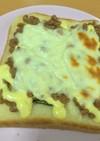 盛りすぎ!納豆トースト