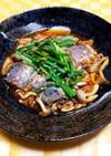 鯖の水煮とシメジのニラキムチ煮