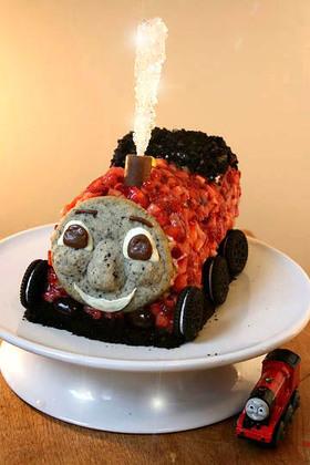 機関車トーマスのバースデーケーキ