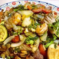 アンコールワットの青胡椒と野菜の炒め物