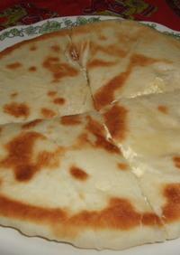 ハチャプリ(チーズパン)