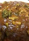 ブロッコリーとモモ肉のトマトカレー