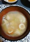 ちくわ玉ねぎキャベツ椎茸ふの味噌汁
