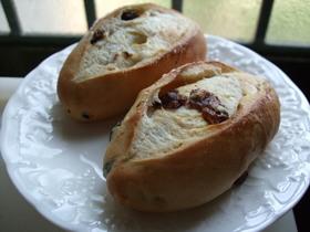 しっとりもっちり ぶどうパン