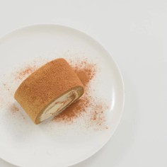シナモンロールケーキ
