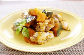 簡単!鶏むね肉とカボチャのホットサラダ