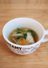 ⭐️冷凍餃子と豆苗の簡単スープ⭐️