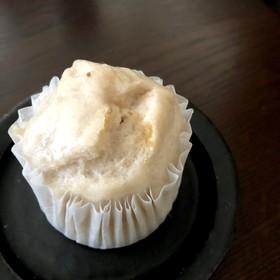 いちごジャムの米粉蒸しパン