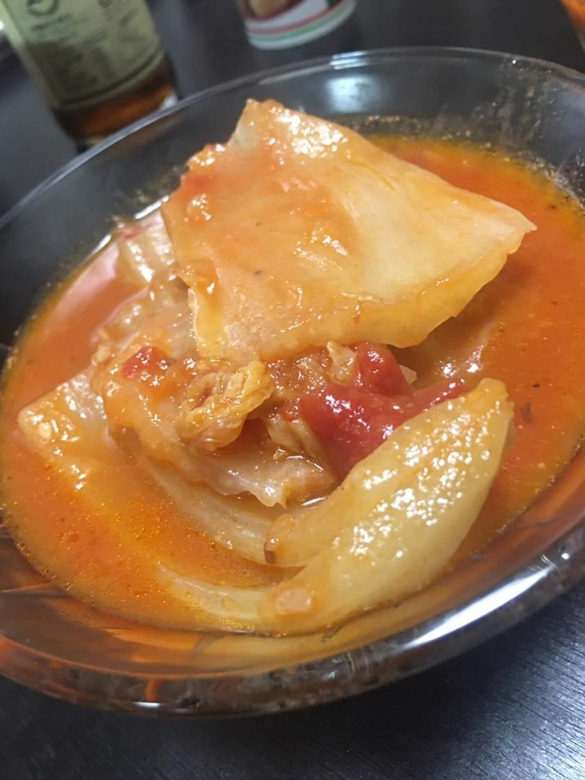 白菜と鳥モモのトマトスープ