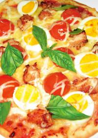 ミニトマトと照り焼きチキンのピザ