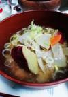 挽き肉と根菜の味噌汁