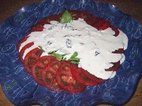 トマトとバジルのヨーグルトサラダ