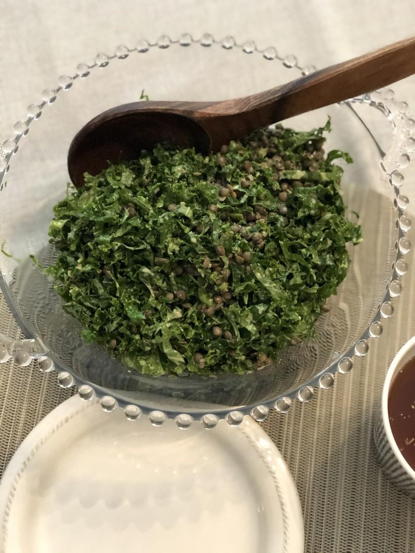 緑レンズ豆入りケールサラダ