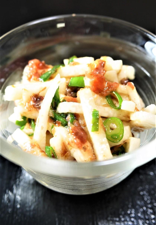 簡単副菜☆山芋のめんつゆ梅肉おかか和え