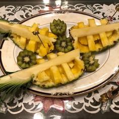 おもてなしに!パイナップルのおしゃれ切り