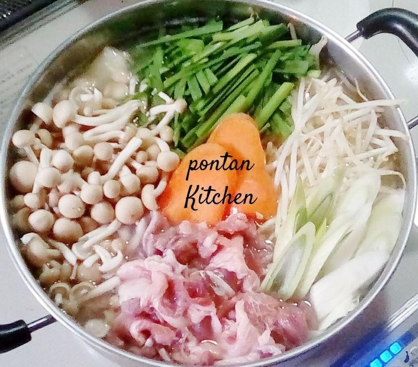 創味シャンタンで味噌鍋
