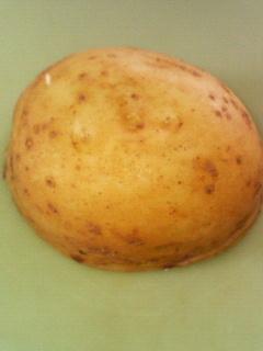 茹でたジャガイモの皮のむき方