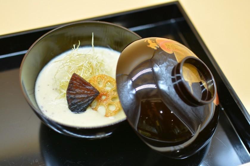 葛餅のお焼きと豆乳ポタージュ胡麻風味
