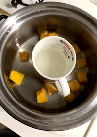 離乳食♡湯のみ粥と南瓜♡初期♡同時調理