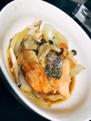 【レンジのみ】鮭ときのこのガーリック蒸しの写真