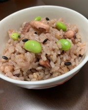 タコ飯(雑穀米入り)の写真