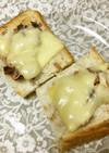 簡単!サバ缶と梅のチーズトースト