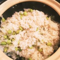 土鍋かまどさんで枝豆ごはん